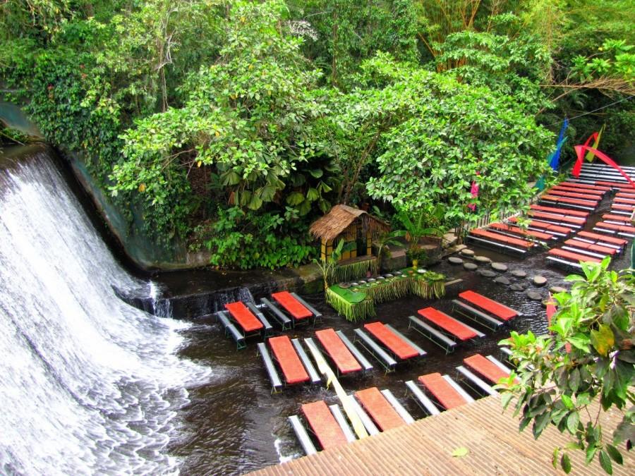 20. Ресторан у водопада, Филиппины Этот ресторан-бар расположен прямо у подножия небольшого водопада