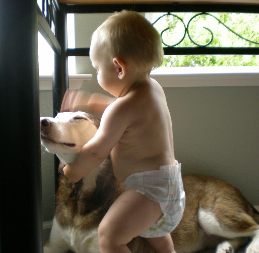 16. Успокоить раздражение от подгузника. Искупайте своего малыша в ванне с крахмалом, и раздражение