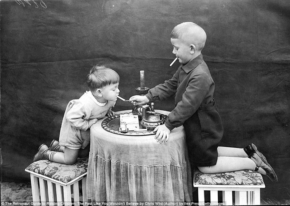 Только не рассказывайте соцработникам: суровая жизнь детишек прошлого (10 фото)