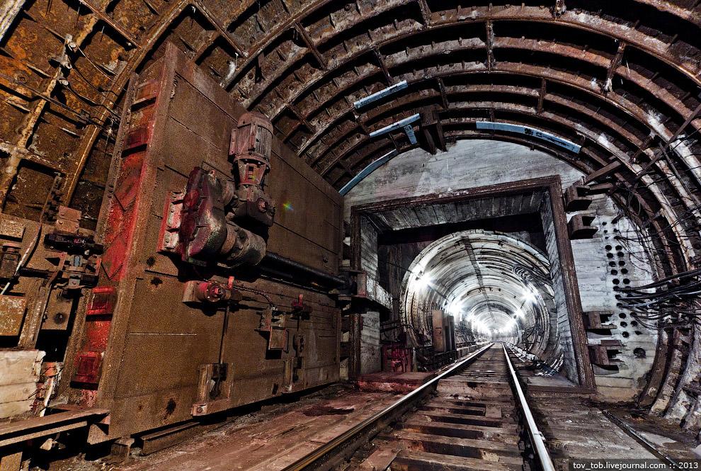 Стоимость защитных сооружений по оценкам пражан — около 10% от стоимости строительства метро. О