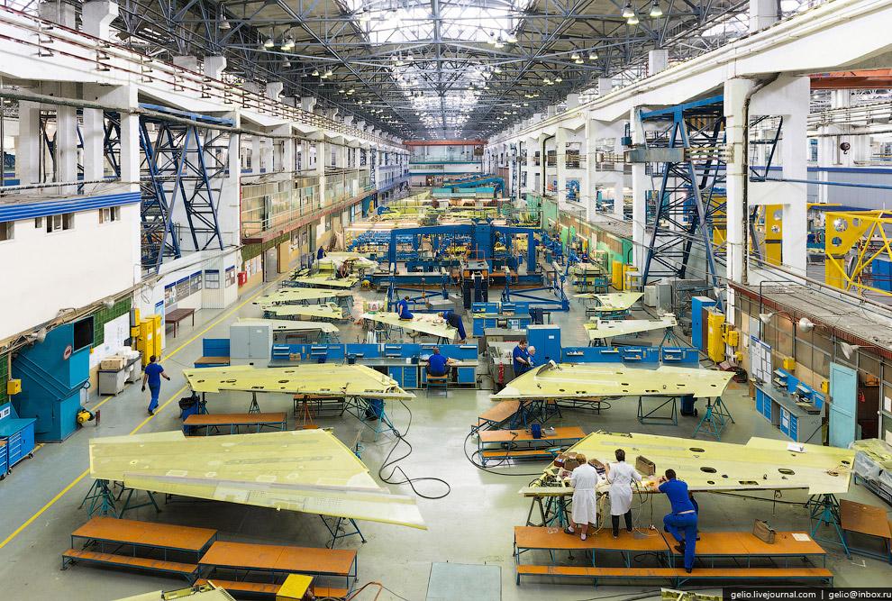 23. Сборка учебно-боевого самолёта Як-130.