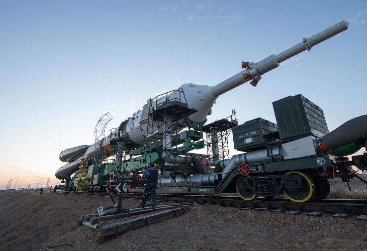 2. Транспортировка ракеты до места запуска обычно занимает около полутора часов. Скорость движения н