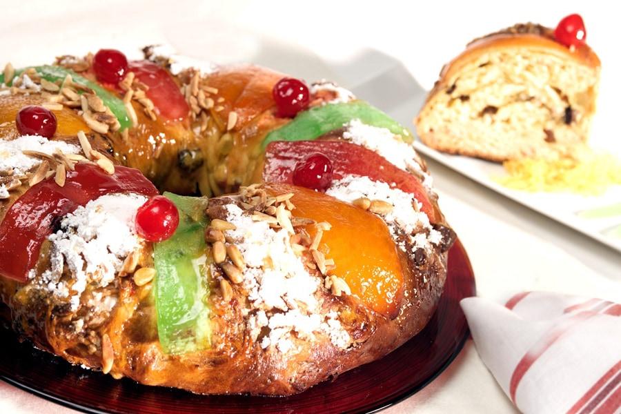 Болу рей. Этот десерт был создан в Португалии. Его еще иногда называют королевским тортом. Это сладк