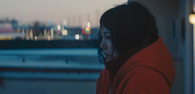 «Тихоокеанский рубеж» Ринко Кикучи начинается этим забавно-грустным фильмом. За основу взята городск