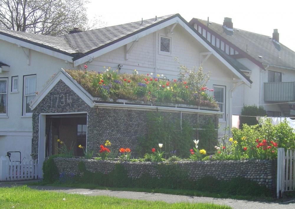 Гараж в Канаде Маленький сад, доступный для воплощения на любом дачно-огородном участке. Находчивое