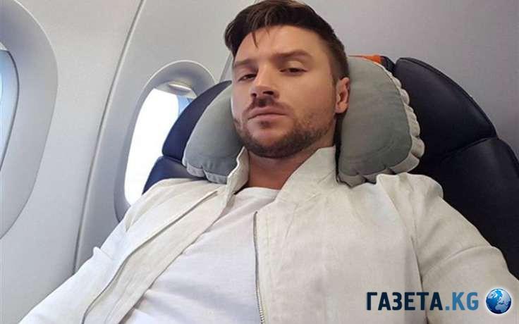 Сергей Лазарев шокировал фанатов пикантным нарядом наконцерте вСочи