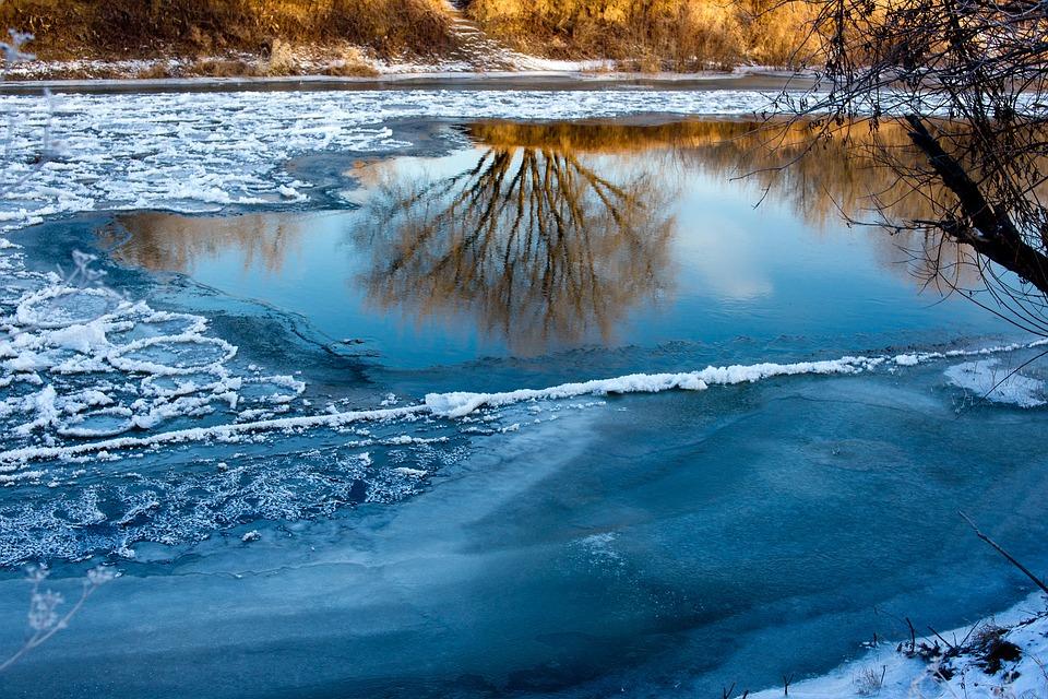 ВКраснодарском крае отыскали тело 3-го подростка, провалившегося под лед