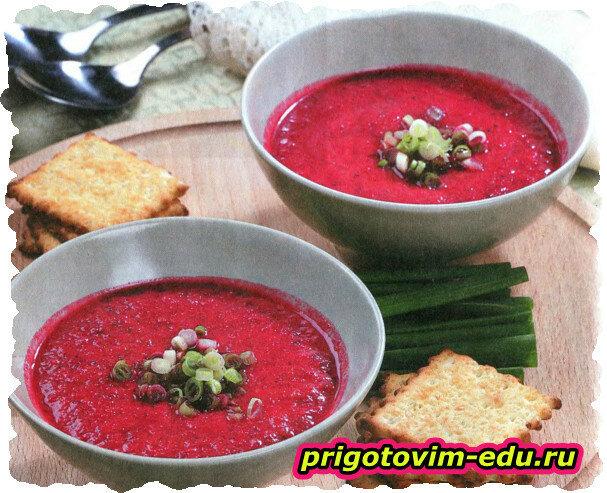 Суп из свеклы и творога