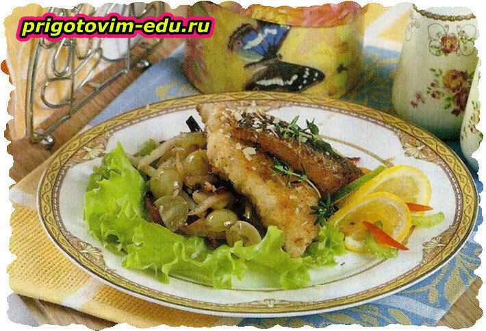 Филе морского языка с персиками и орехами