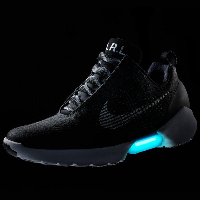 Кроссовки Nike с автоматической шнуровкой уже готовы к продаже