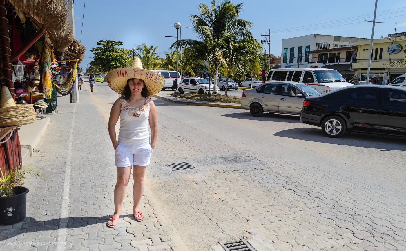 Фотография 17. Отдых в Тулуме. Сценка на городской улице. Отчеты туристов о путешествии по Мексике самостоятельно. 1/1250, 7.1, 18, 200.
