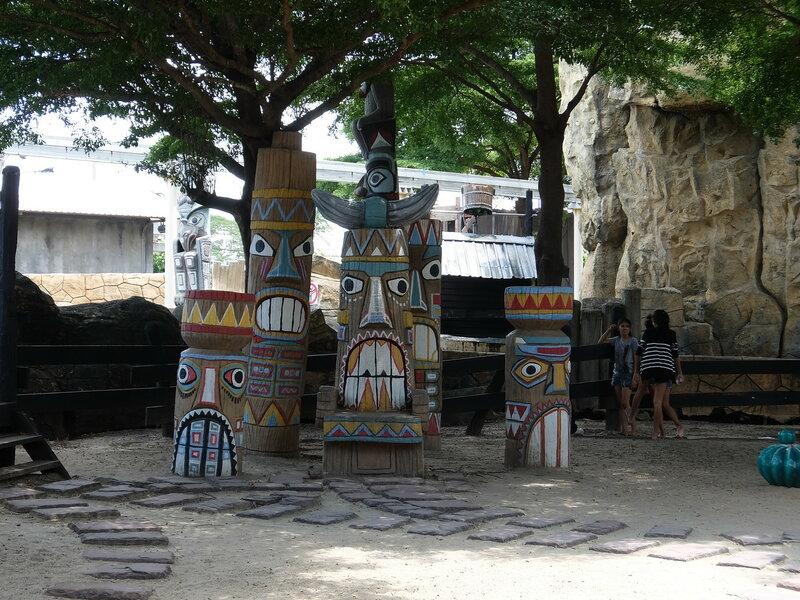 Тайский Диснейленд - Индейские скульптуры