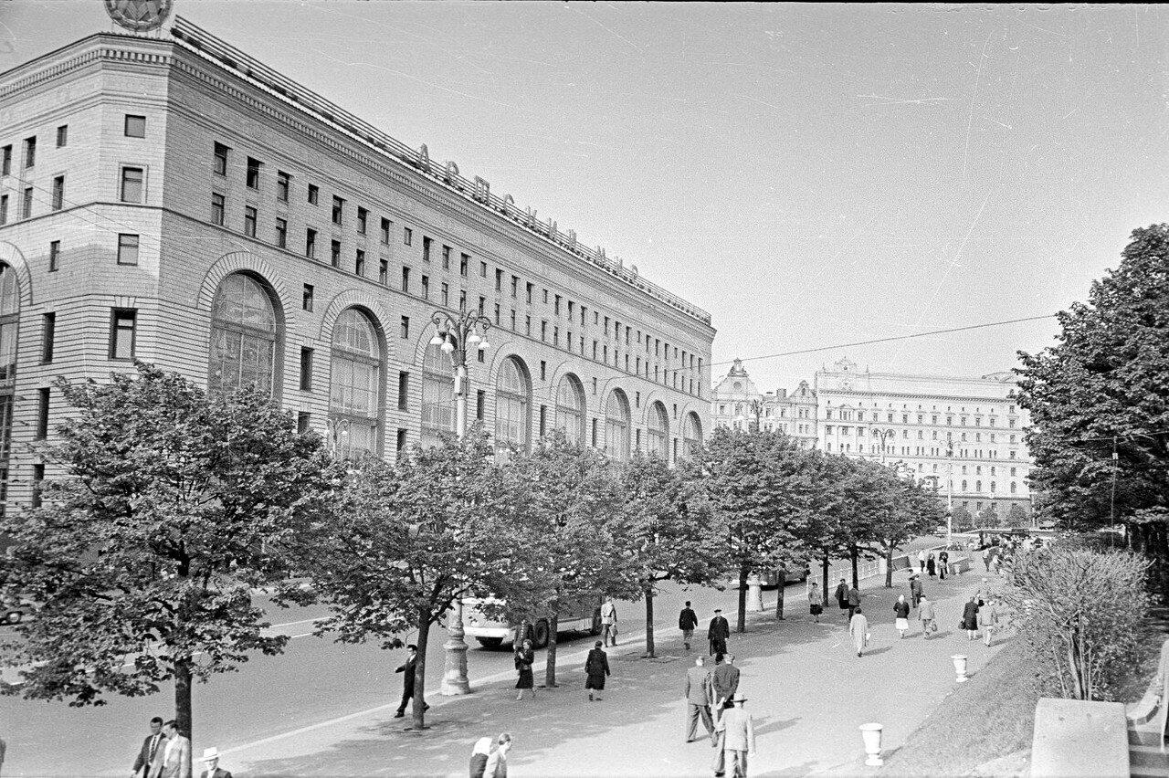 Детский Мир. Children's World department store. Moscow 1958