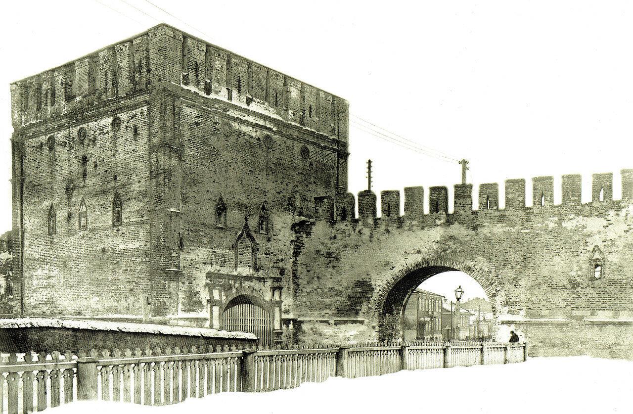 Никольские ворота. 1903