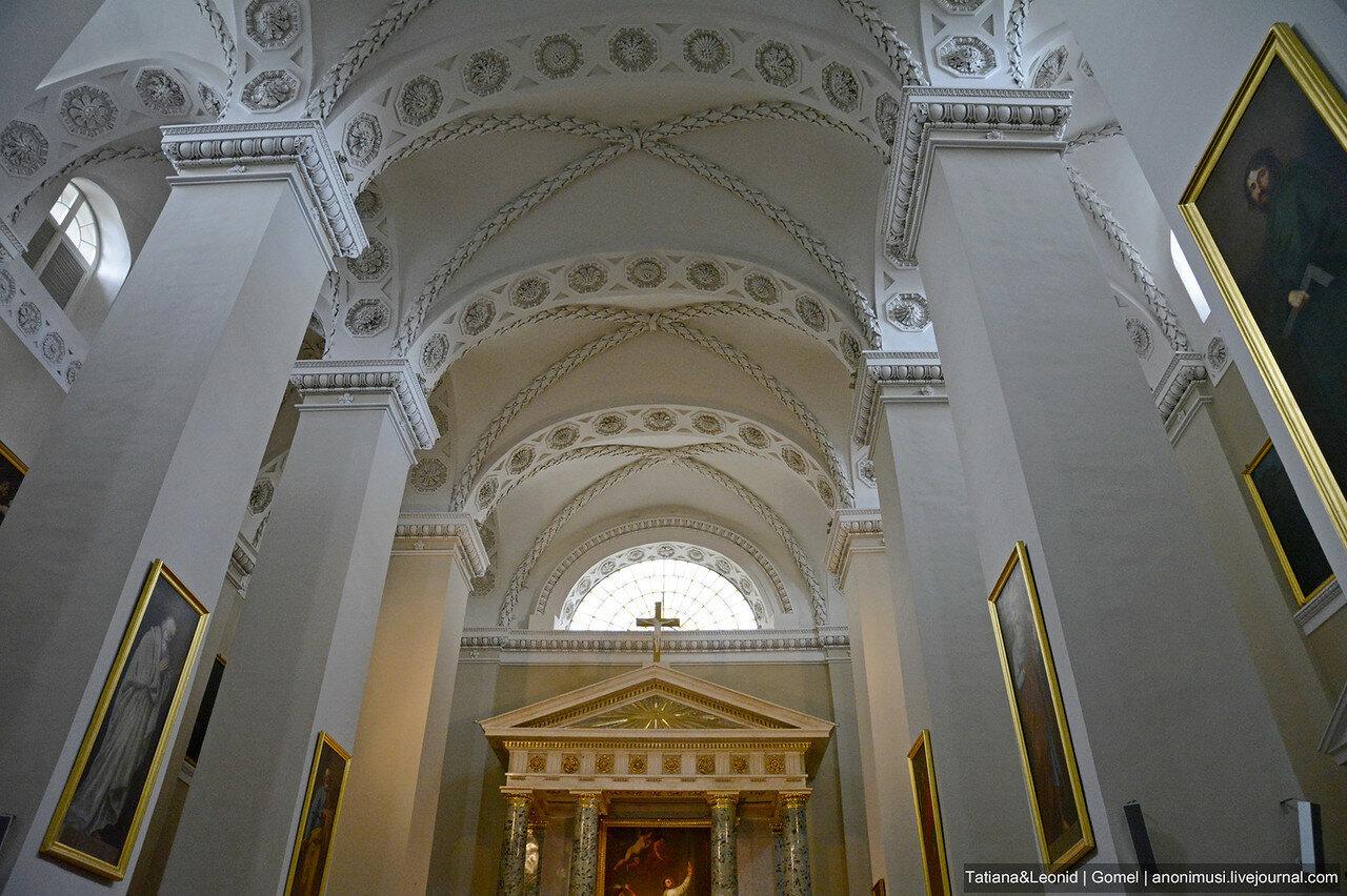 Кафедральный собор Святого Станислава и Святого Владислава. Вильнюс