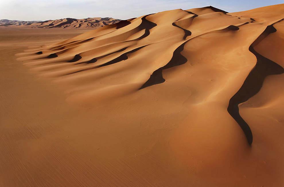 10. Основание звездной дюны в пустыне Мурзук. (George Steinmetz)