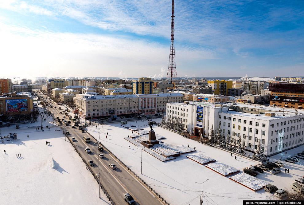 6. Главная улица Якутска — проспект Ленина.