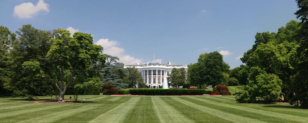 США. Вашингтон, округ Колумбия. Белый дом является официальной резиденцией президента страны. (D