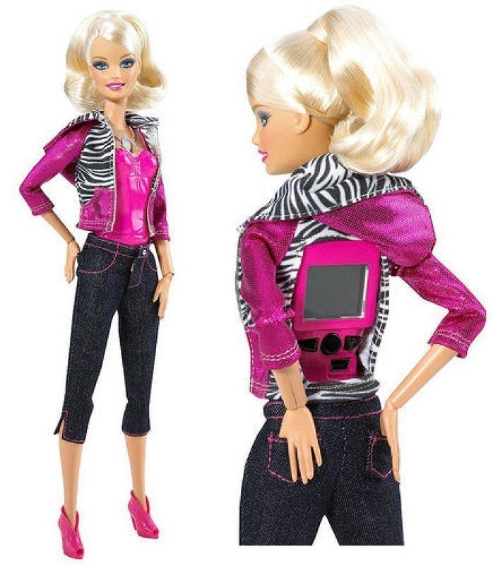 9. Барби из Видео Клипов У этой Барби имеется встроенная камера в груди. Многие покупатели отказалис