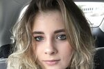 Kate-an-18-year-old-artist-with-schizophrenia-58f5c94239241__700 (1).jpg