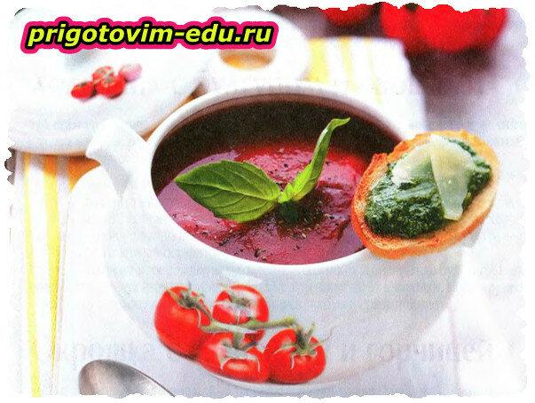 Томатный суп с перцем чили