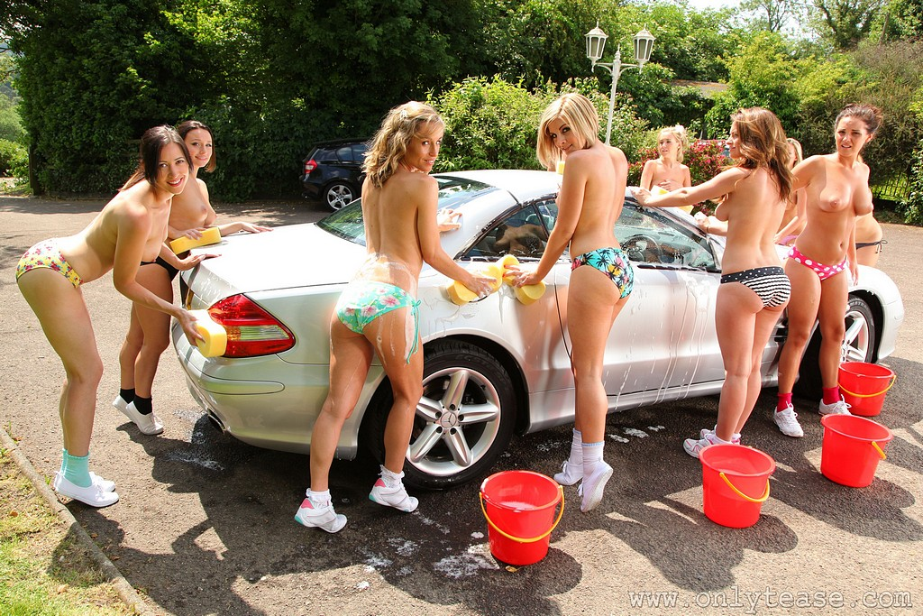Девчонки на помойке