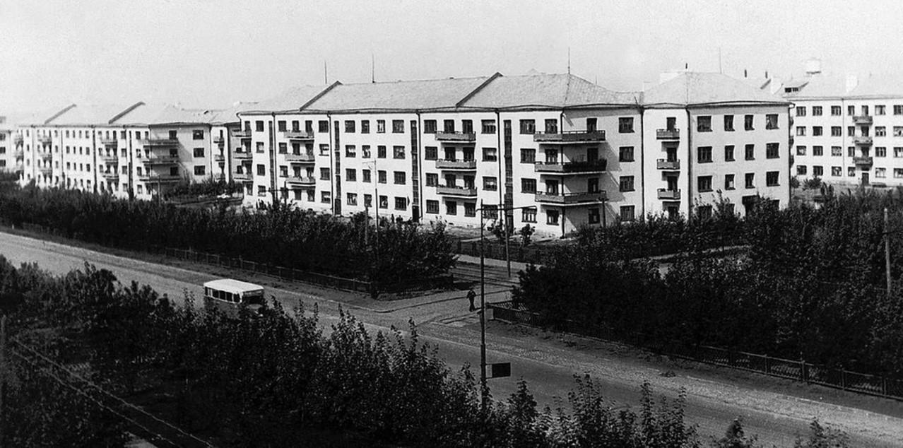 ЧТЗ. Жилые корпуса по улице Спартака. 1931