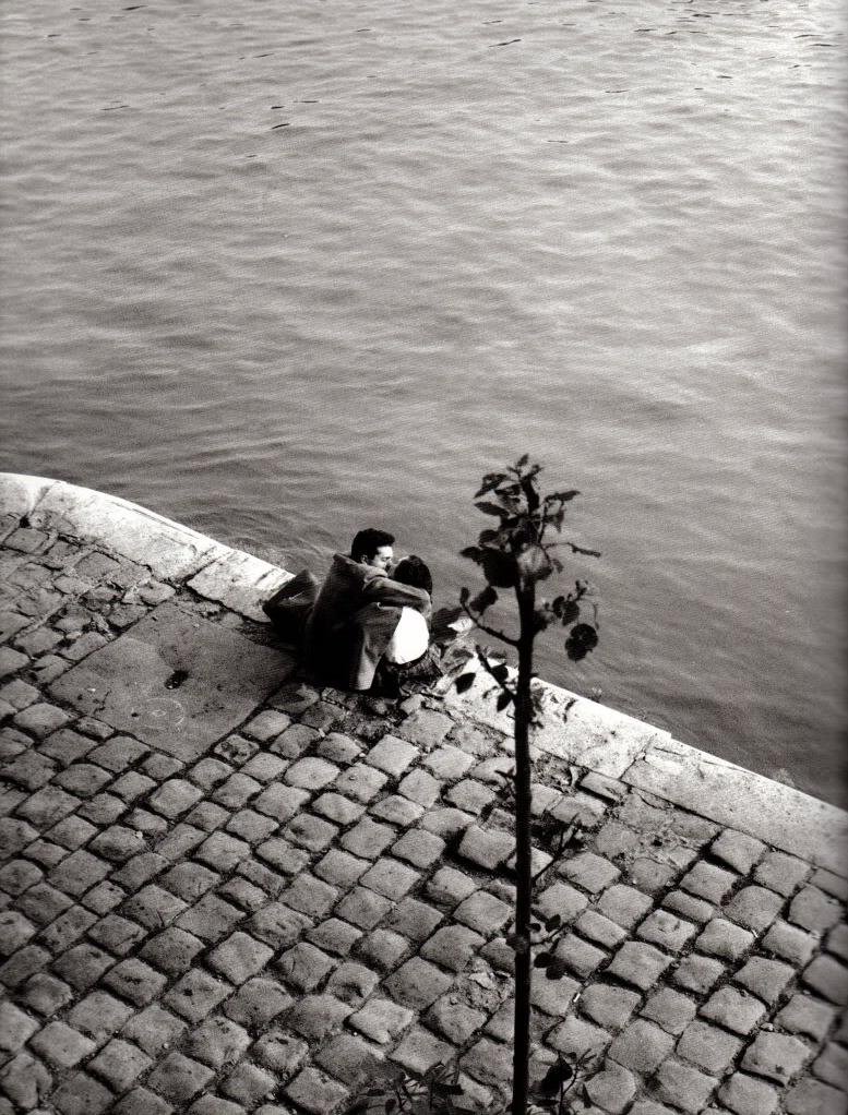 1952. Набережная Лувра