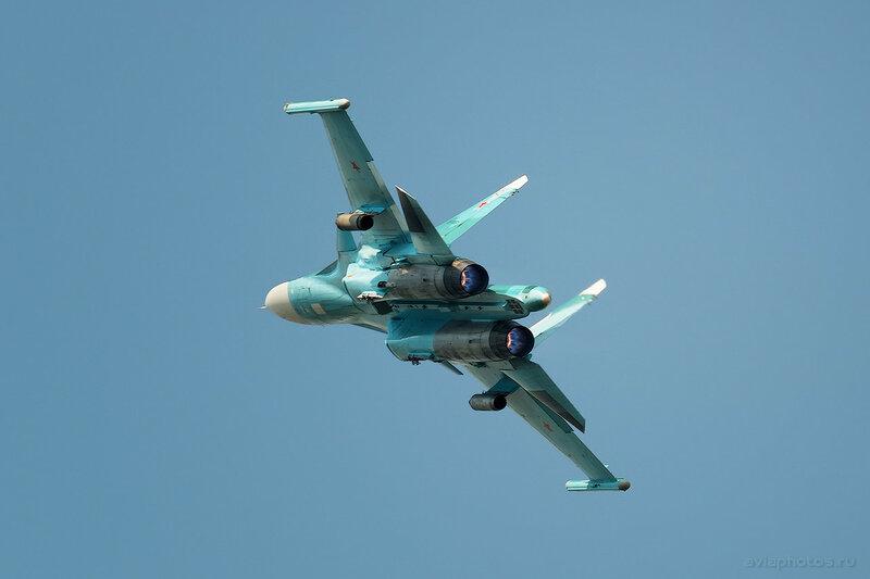 Сухой Су-34 (RF-95857 / 42 красный) ВКС России 1850_D806288a