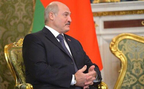 Лукашенко рекомендовал белорусам поменьше есть