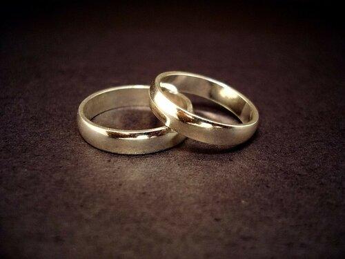 Миллионер по ошибке женился на собственной внучке