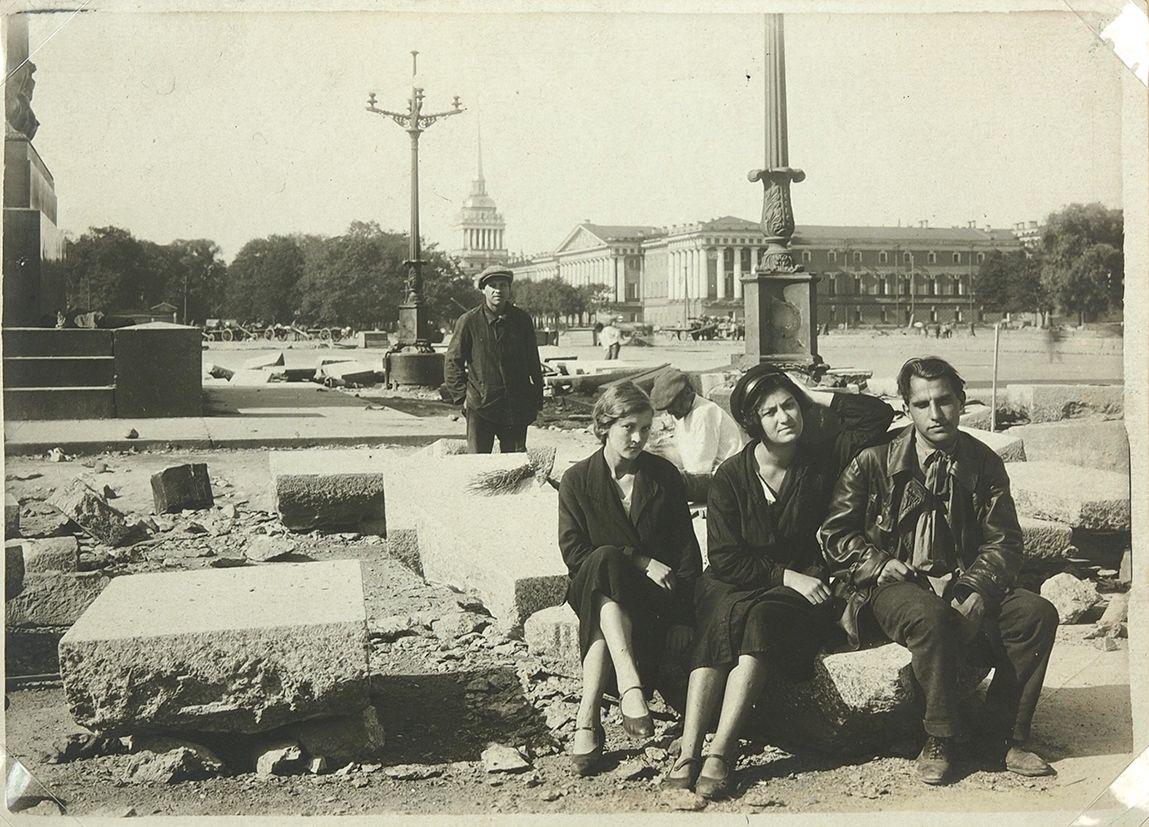 1932 Архив фотографий реконструкции Дворцовой площади (пл. Урицкого)2.jpg
