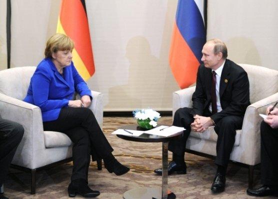 Немецкий  парламент потребовал ввести новые санкции против РФ