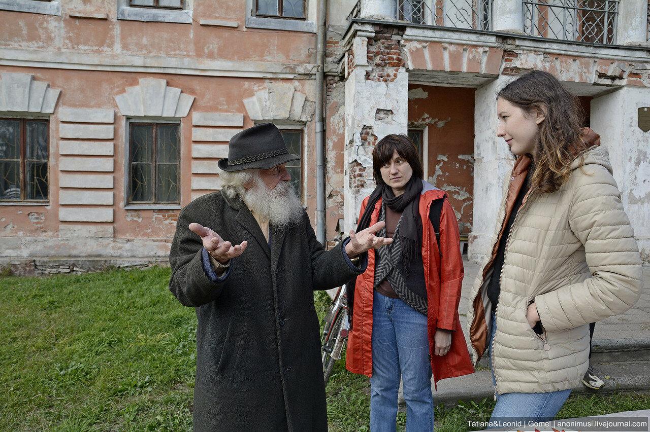 Волонтерский субботник в Хальчанском дворце