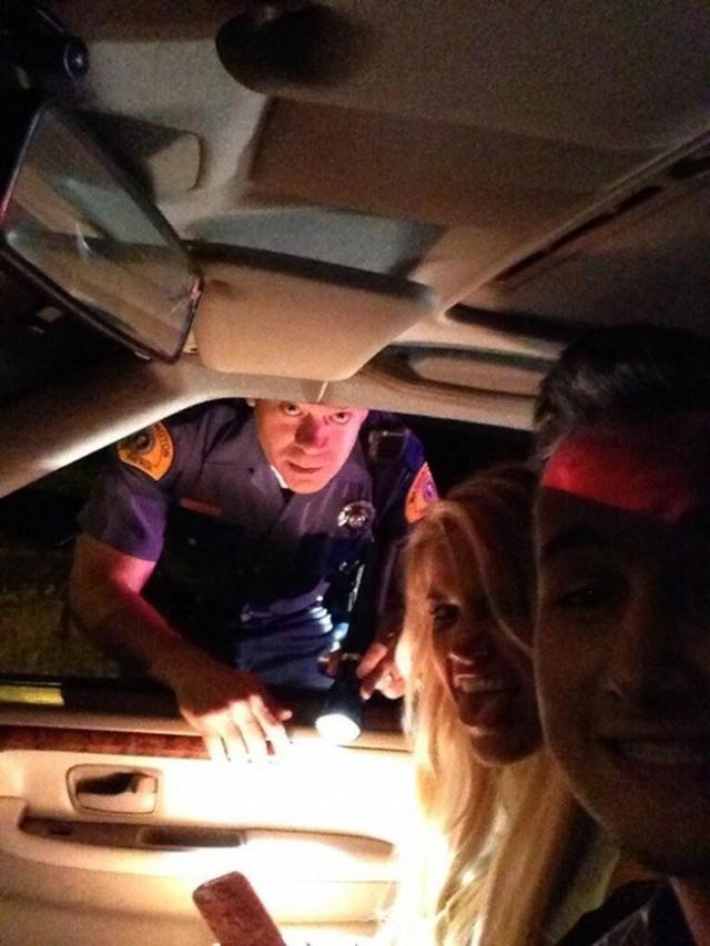 2. Когда тебя останавливает полиция.