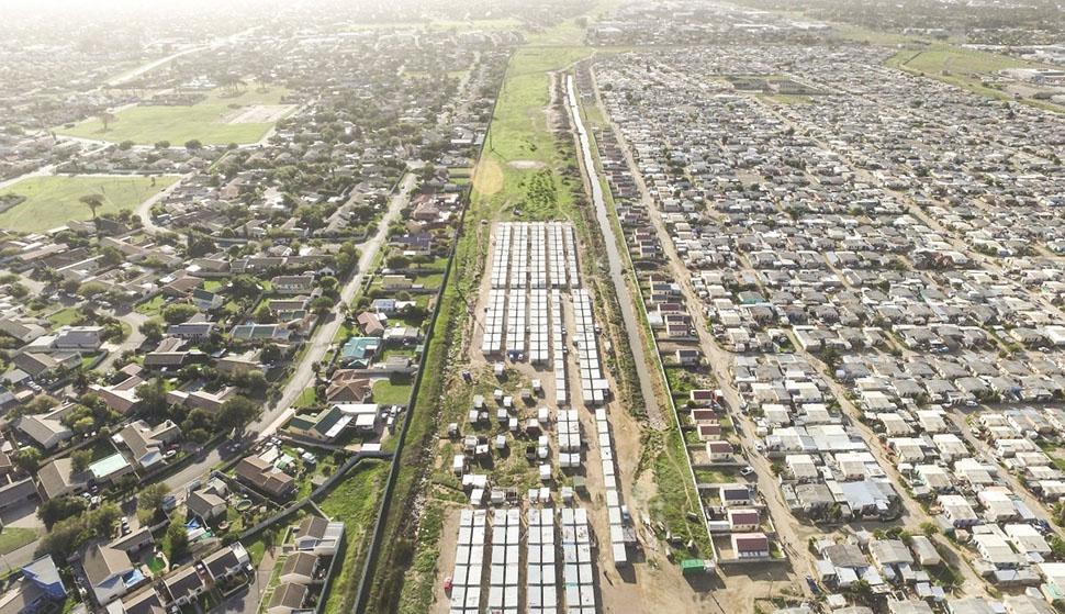 Кейптаун — город, непохожий на другие. «Он невероятно красив, — говорит Миллер. — И в нем квинтэссен
