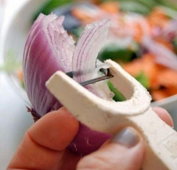 4. Я в восторге от этого шикарного способа подать клубнику со сливками!