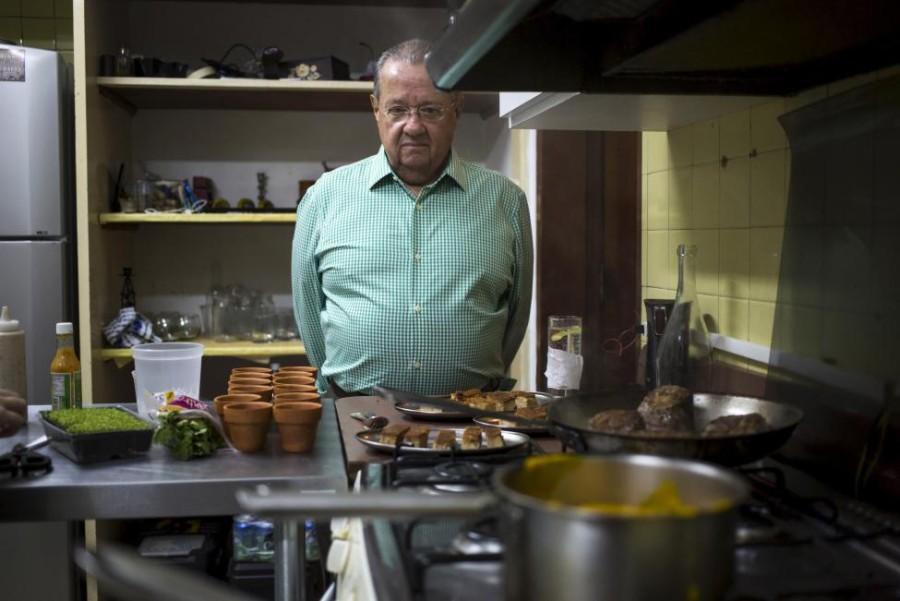 13. В ресторане «Ciboulette Prive» в Каракасе клиенты могут понаблюдать за процессом приготовления п