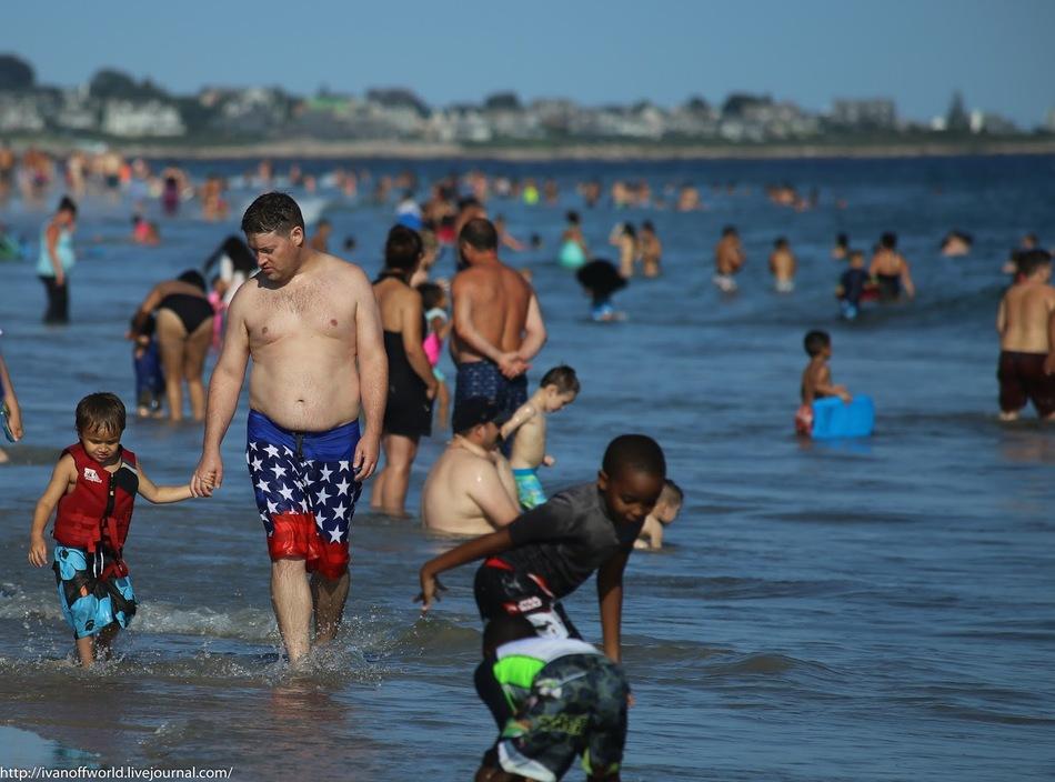 Мужские плавки в виде спортивных speedo, многими воспринимаются как намек на нетрадиционную ориентац