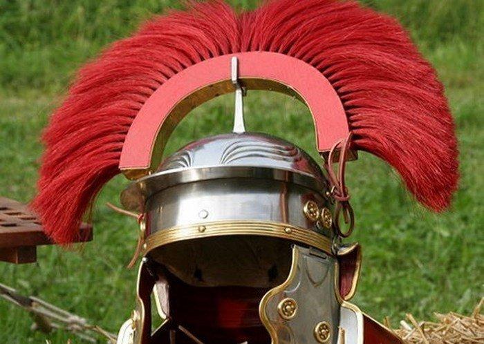 6. Функции шлема По мнению некоторых древних авторов, у шлемов в римской армии были другие преимущес