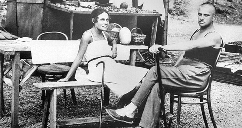Лиля Брик своим примером доказала, что необязательно быть писаной красавицей, чтобы сводить с ума му