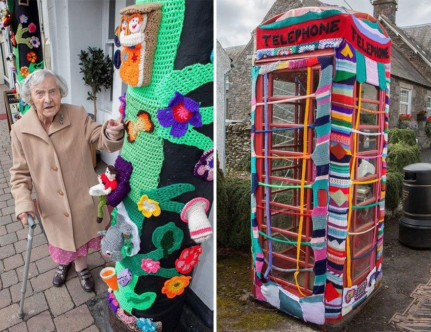 104-летняя бабуля украшает свой город связанными вручную вещами