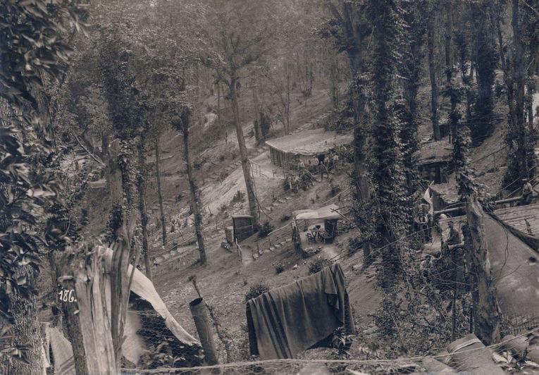 20. Немецкий лагерь за линией фронта, 1916 год.