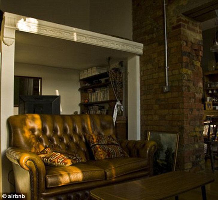 По шкале страха Airbnb — 3/5 баллов. Стоимость аренды — от 125 фунтов стерлингов за ночь.