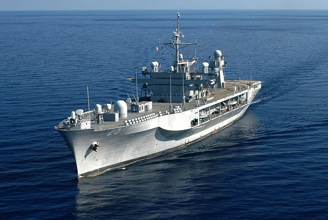 Командный корабль ВМС США Mount Whitney вошел вЧерное море