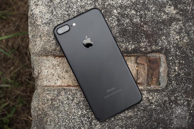 В Российской Федерации резко упал вцене iPhone 7 Plus