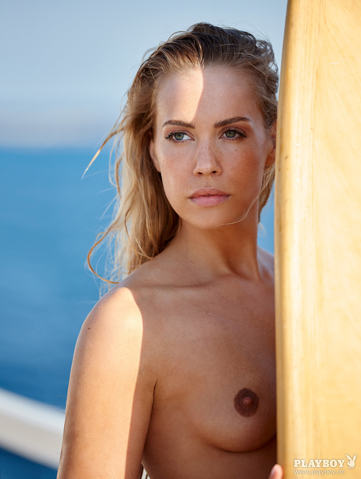 актриса Лара-Изабель Рентин / Lara-Isabelle Rentinck nude - Playboy Germany august 2016