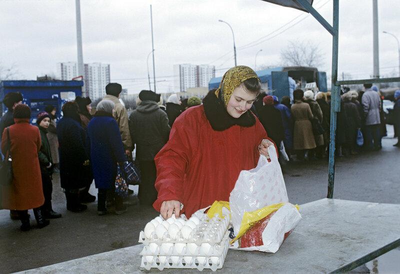 495278 Уличная торговля 1991 РИА Новости. Сергей Титов.jpg