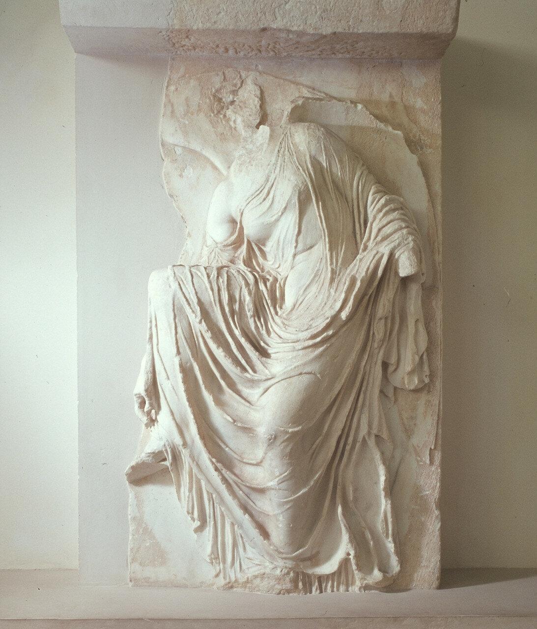 Афины, музей Акрополя. Ника 415 г. до н.э.