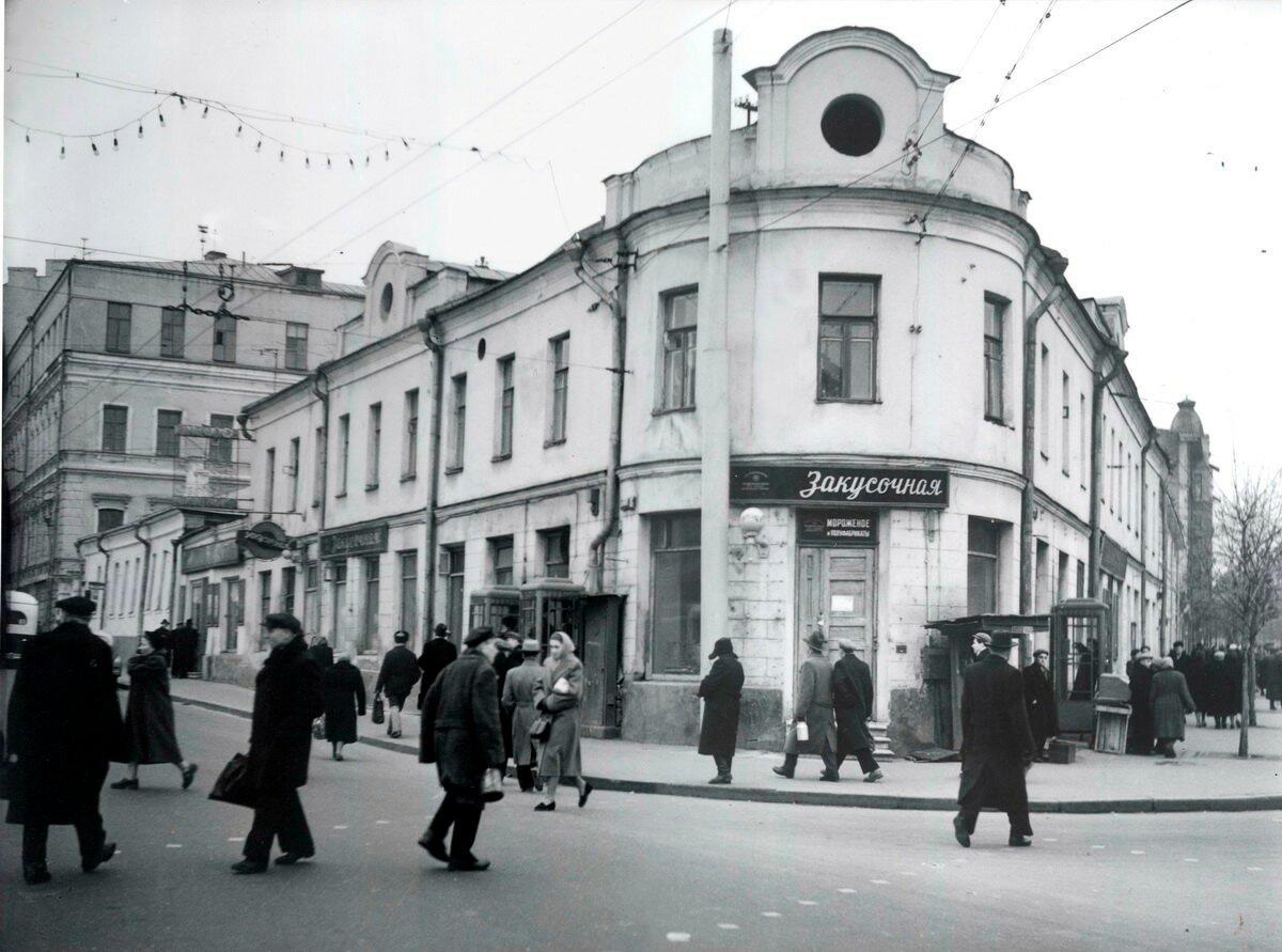 1959. Площадь Разгуляй